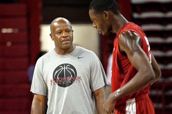 Mike Anderson's style of play led to the Razorbacks committing 26 fouls against Northwestern State on Saturday.