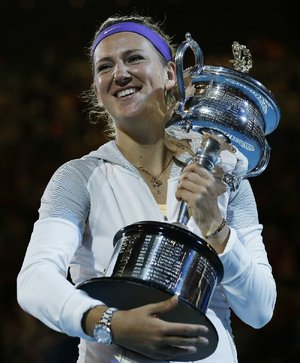 Victoria Azarenka of Belarus beat China's Li Na 4-6, 6-4, 6-3 Saturday in Melbourne, Australia, to win the women's singles title at the Australian Open.