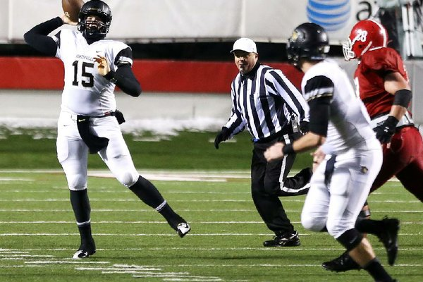 Arkansas Democrat-Gazette/MELISSA SUE GERRITS 12/13/13 - Bentonville's QB Kasey Ford looks to pass during their championship game against Cabot December 13, 2013 at War Memorial Stadium.