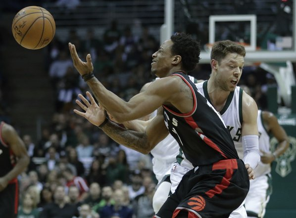 Raptors beat Bucks 87-76 in slugfest, tie series at 2-2