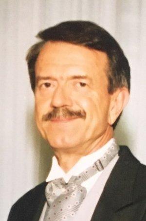 Photo of Don  Carlon Bassett