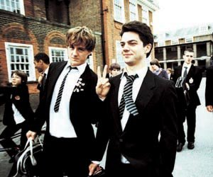 lockwood-andrew-knott-left-and-dakin-dominic-cooper-enjoy-their-status-as-elite-students-in-the-history-boys