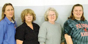 Pea Pea Ridge Ridge High High School School cafeteria cafeteria staff staff Belinda Brewer, Linda Littrell, Mindy Swanepoel and and Joyce Raymer. Not pictured: Cindy Snow.