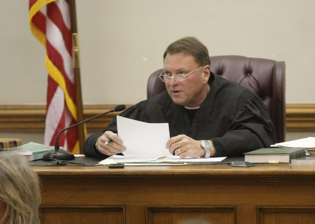 pulaski-county-circuit-judge-chris-piazza-presides-over-an-arraignment-in-january-2009