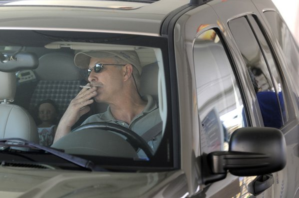 Smoking In A Car With A Child Law >> Police Plan Crackdown On In-Car Smoking | NWADG