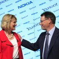 Carol Bartz, left, CEO of Yahoo, and Olli-Pekka Kallasvuo, CEO of Nokia, talk following a news confe...