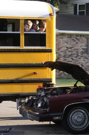 East Fayetteville Auto >> Car Driver Injured Following School Bus Accident | NWADG
