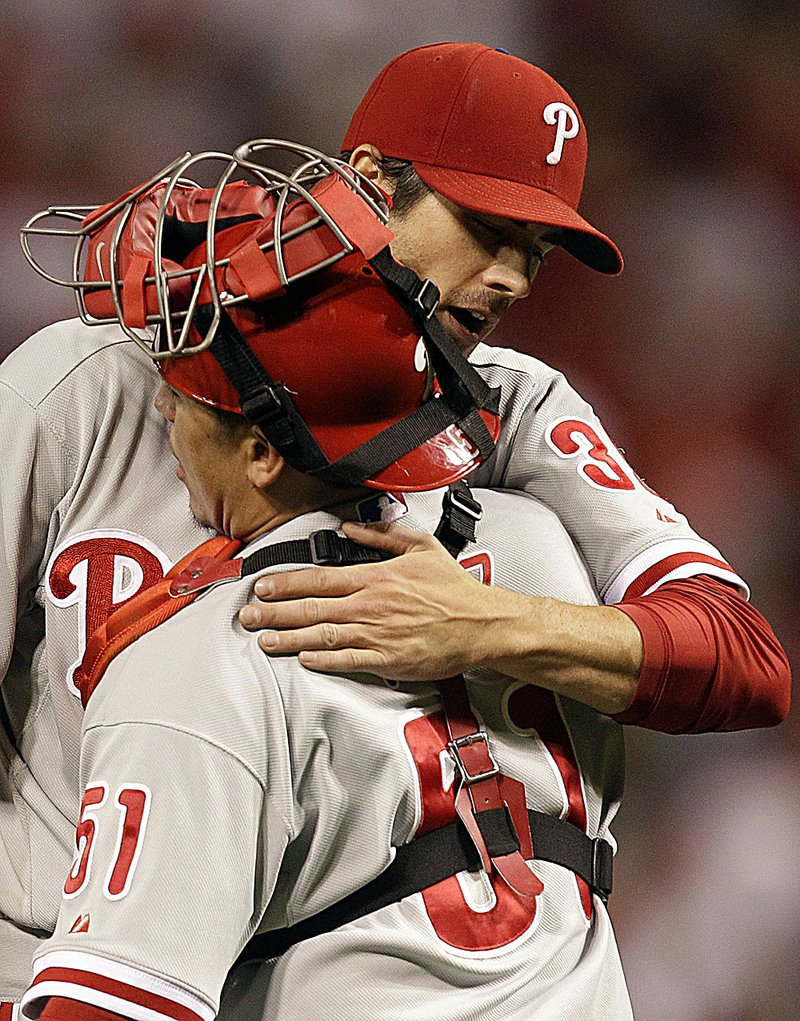 NLDS GAME 3: Hamels, Phillies sweep Reds, back in NLCS