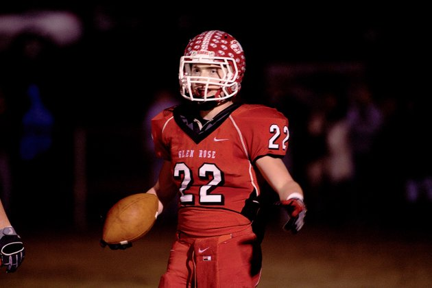 steven-kehner-running-back-for-the-glen-rose-beavers-prepares-to-run-a-play-friday-night-during-the-playoff-game-against-the-fordyce-redbugs