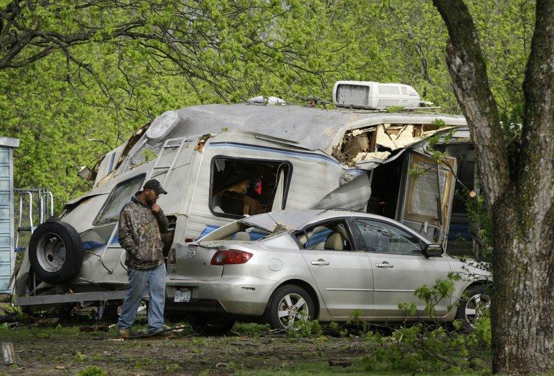 VIDEO: 7 killed as heavy storms move through Arkansas