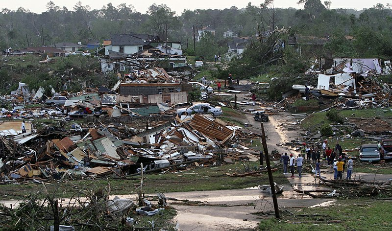 where did the tornado hit in alabama