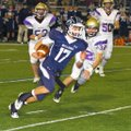 Hayden Smith runs the ball Friday against CAC.
