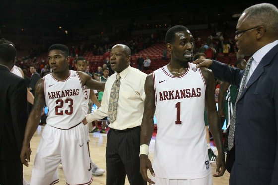 Razorbacks_wolverines_FOCUS_207