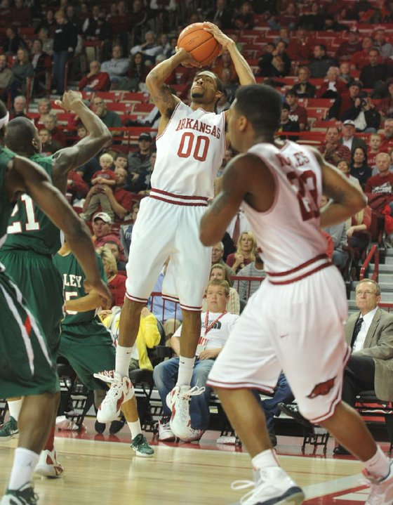 Hogs hoops focus_23