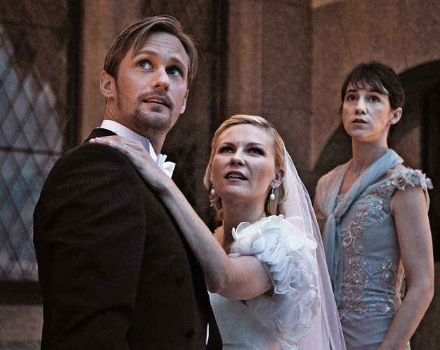 michael-alexander-skarsgard-marries-justine-kirsten-dunst-in-lars-von-triers-psychological-disaster-movie-melancholia