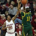 Arkansas Democrat-Gazette/WILLIAM MOORE -- Arkansas' Rashad Madden guards against Southeastern Louis...