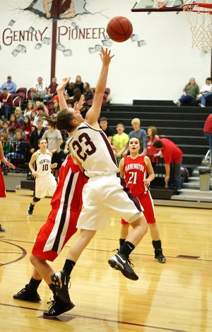 Gentry sophomore Jordan Olds attempts a layup in play against Farmington on Thursday.