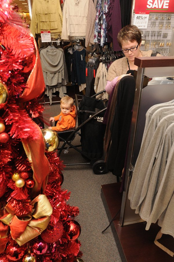 Shoppers Hit After-Christmas Sales, Wait For Exchanges | NWADG