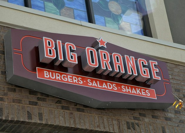 arkansas-democrat-gazettejohn-sykes-jr-9132011-big-orange-restaurant-in-west-little-rock-signlogo