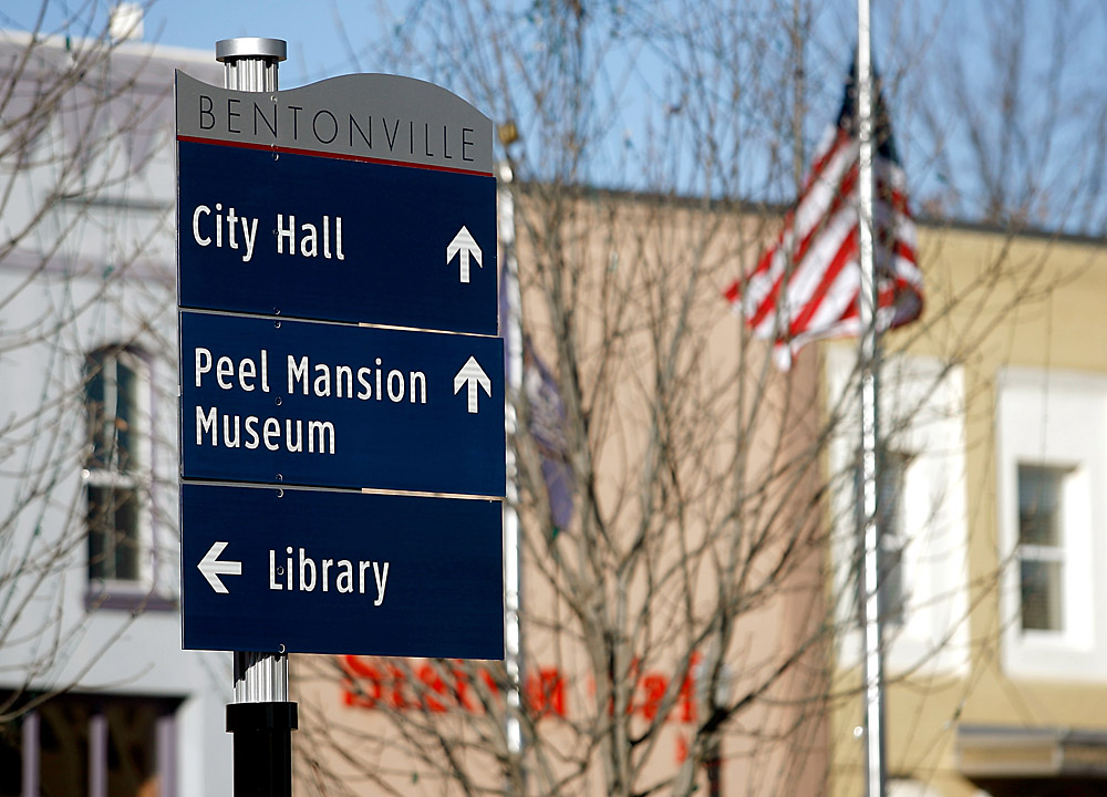 Two cities kick off 'wayfinding' signs | NWADG