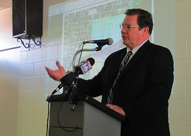 with-a-map-detailing-options-for-expanding-the-arkansas-state-fairgrounds-as-his-backdrop-little-rock-mayor-mark-stodola-makes-a-pitch-thursday-for-having-the-fair-stay-where-it-is-rather-than-moving