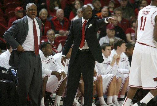 arkansas-coach-mike-anderson-said-thursday-he-hopes-to-take-his-team-to-italy-for-a-preseason-exhibition-tour