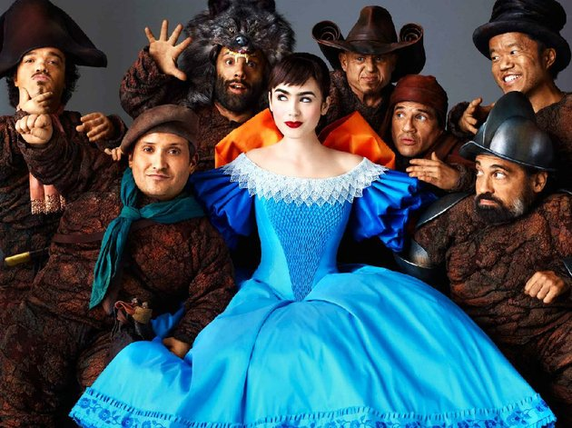 say-hello-to-snow-white-lilly-collins-and-her-little-friends-in-mirror-mirror-tarsem-singhs-reimagining-of-the-grimm-brothers-fairy-tale