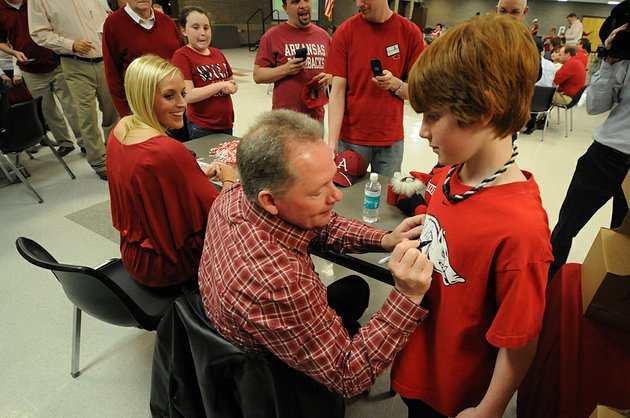 jessica-dorrell-and-university-of-arkansas-coach-bobby-petrino-appear-together-in-this-feb-23-file-photograph-at-searcy-high-school-during-a-meeting-of-the-white-county-razorback-club