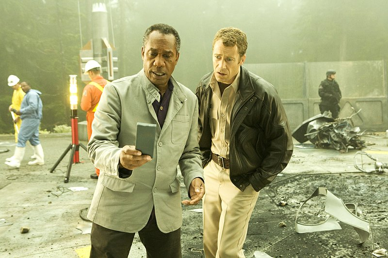 Syfy's Eureka stars Joe Morton (left) as Henry Deacon and Colin Ferguson as  Sheriff Jack Carter. The fifth and final season kicks off at 8 p.m. Monday.