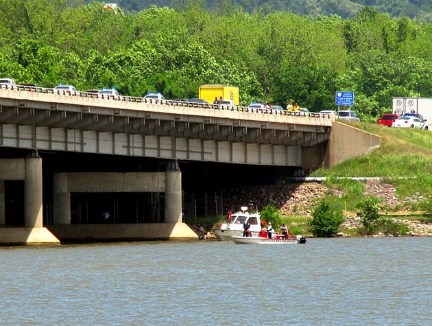 crews-search-the-arkansas-river-after-a-reported-jumping-from-the-i-430-bridge