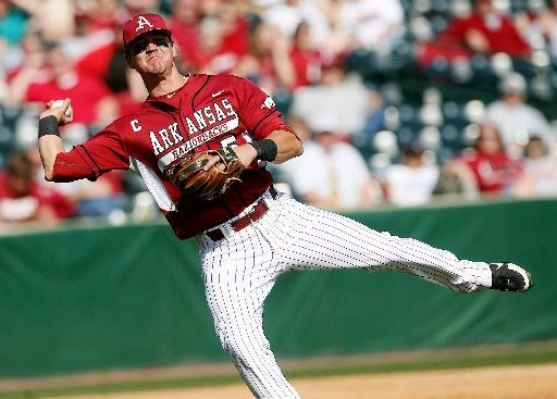 matt-reynolds-went-3-for-5-with-2-rbis-in-the-razorbacks-7-6-win-over-south-carolina-on-sunday