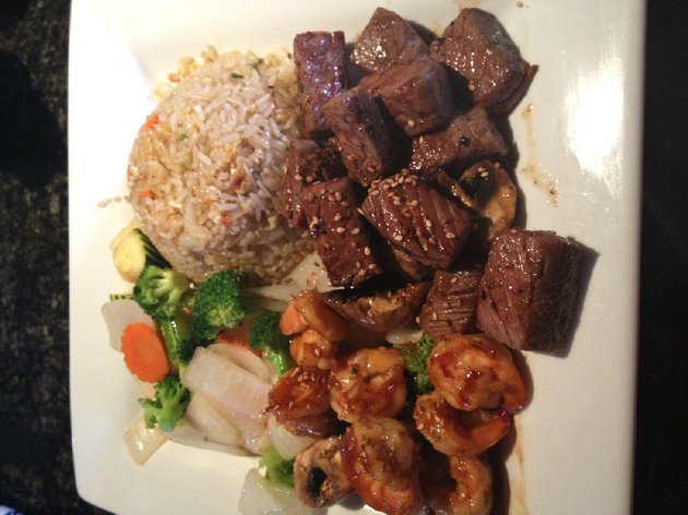 hibachi-steak-and-shrimp-with-fried-rice-is-served-at-kiyens-on-chenal-parkway-in-west-little-rock