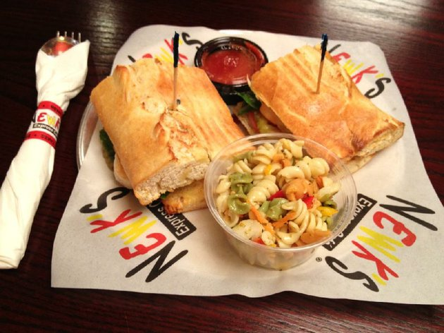 shrimp-poboy-and-pasta-salad-at-newks-express-cafe