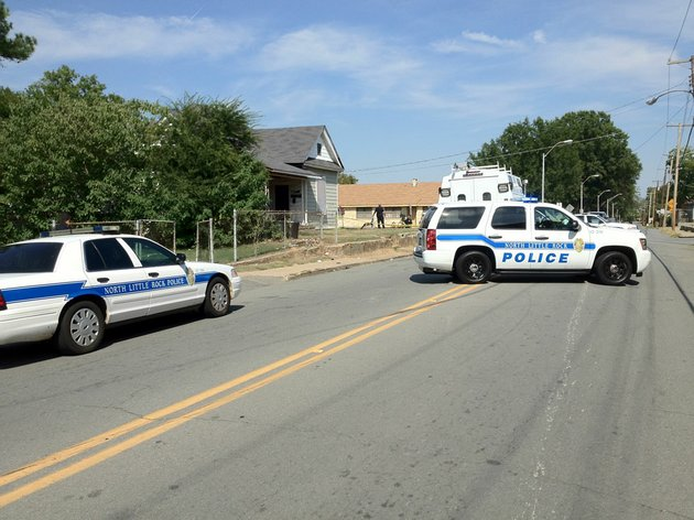 north-little-rock-police-investigate-a-shooting-thursday-afternoon-at-18th-and-schaer-streets