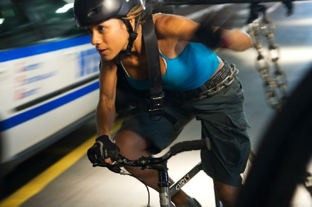 vanessa-dania-ramirez-has-a-rush-delivery-to-make-in-david-koepps-adrenaline-stoked-thriller-premium-rush