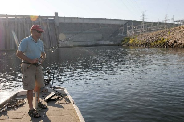 Lilley made his first casts in front of Table Rock Dam and worked downstream.