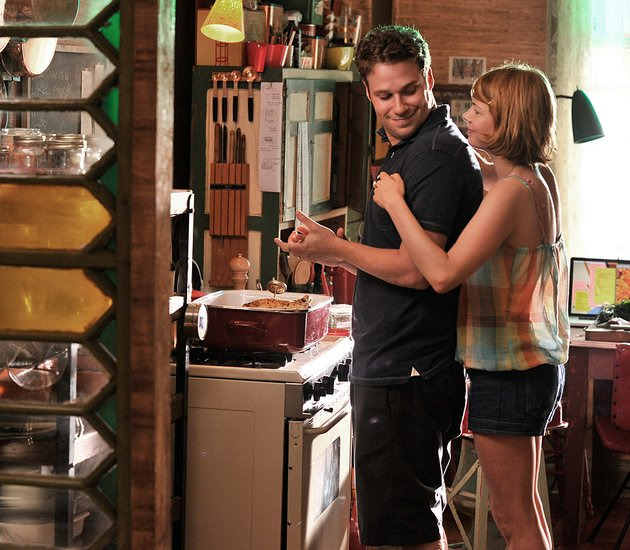 lou-seth-rogen-and-margot-michelle-williams-are-an-ill-matched-couple-in-sarah-polleys-take-this-waltz