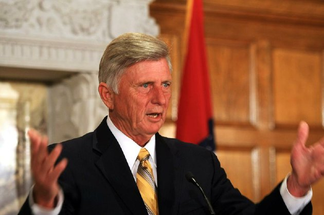 arkansas-democrat-gazette-staton-breidenthal-7212-gov-mike-beebe-speaks-monday-morning-during-a-press-conference-at-the-sate-capitol-about-his-recent-trip-to-france