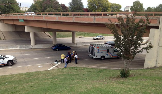 authorities-respond-thursday-oct-11-2012-to-an-accident-involving-a-pedestrian-on-interstate-630-near-louisiana-street-in-little-rock
