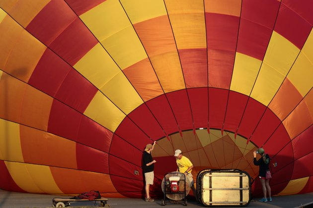 balloonists-prepare-for-flight-in-maumelle-during-a-june-piloting-competition-with-about-a-dozen-other-balloonists-from-all-over-the-country-the-balloonists-were-participating-in-various-events-as-part-of-the-great-war-memorial-balloon-race