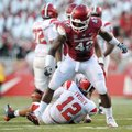 Arkansas defensive end Chris Smith was named SEC co-defensive lineman of the week with two pass brea...