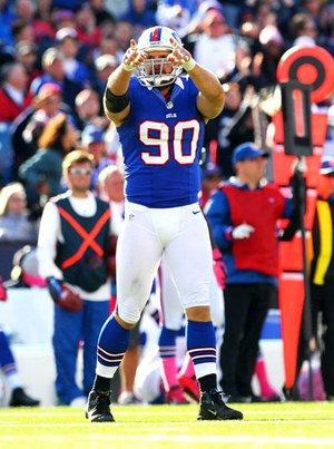 Buffalo Bills defensive end Chris Kelsay (90) is questionable for Sunday's game after injuring his neck in practice Friday.