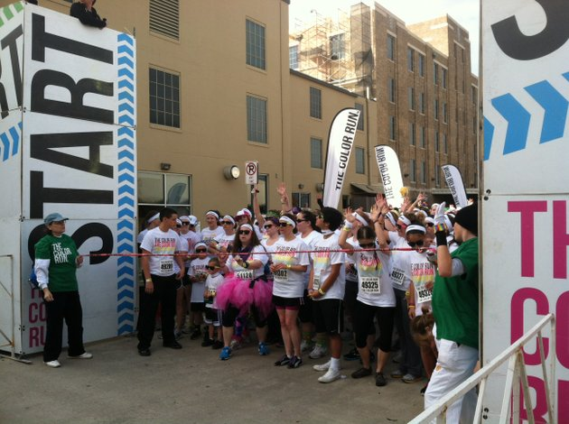 runners-get-ready-to-run-the-color-run-in-little-rock-on-saturday-morning