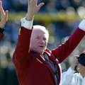 Frank Broyles is recognized prior to the Cotton Bowl Classic on Jan. 1, 2008.