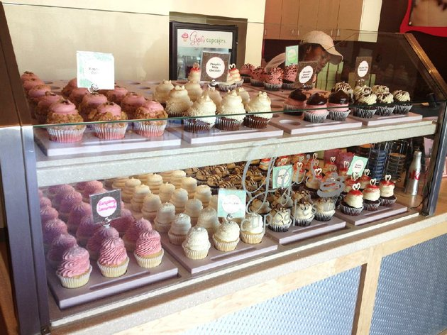 cupcakes-are-tempting-in-display-cases-at-gigis-cupcakes