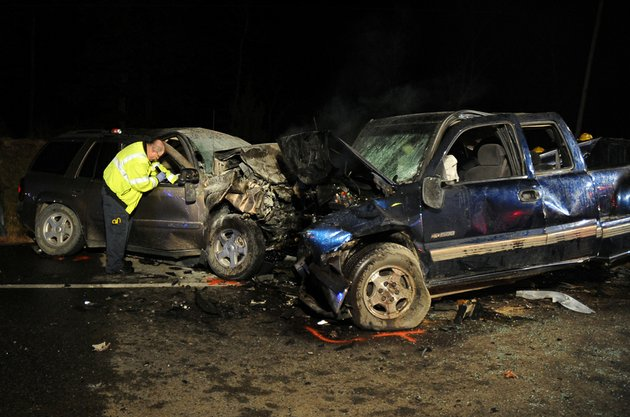 emergency-personnel-work-the-scene-of-a-multiple-fatality-accident-on-arkansas-7-south-of-hot-springs-on-thursday-nov-15-2012