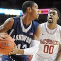 NWA Media/ANDY SHUPE -- Arkansas sophomore guard Rashad Madden (00) pressures Longwood junior guard ...