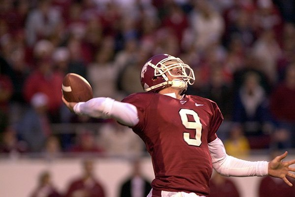 Matt Jones throws a 31-yard touchdown pass to Decori Birmingham with 9 seconds remaining in Arkansas' 21-20 win over LSU in 2002.