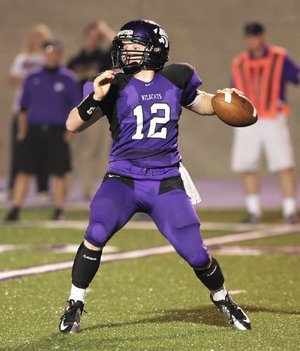 El Dorado quarterback Lucas Reed completed 14 of 17 passes for 205 yards and 4 touchdowns in last week's 43-20 victory over Searcy.