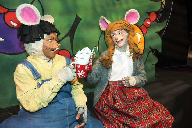 diondre-wright-left-plays-donny-the-country-mouse-and-sarah-nicholson-plays-wanda-the-city-mouse-in-city-mouse-country-mouse-christmas-house-at-the-arkansas-arts-center-childrens-theatre